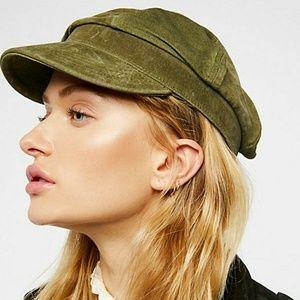 Understated leather lieutenant hat